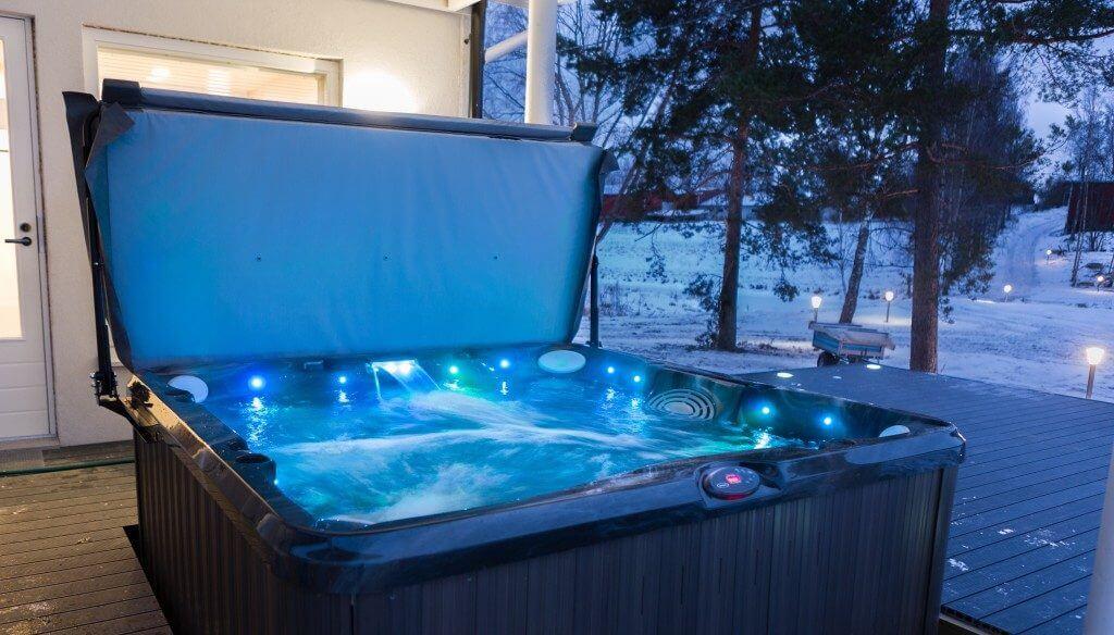 Uusi, moderni saunaosasto
